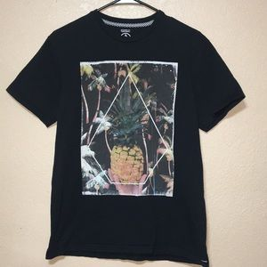 Volcom graphic tee size medium